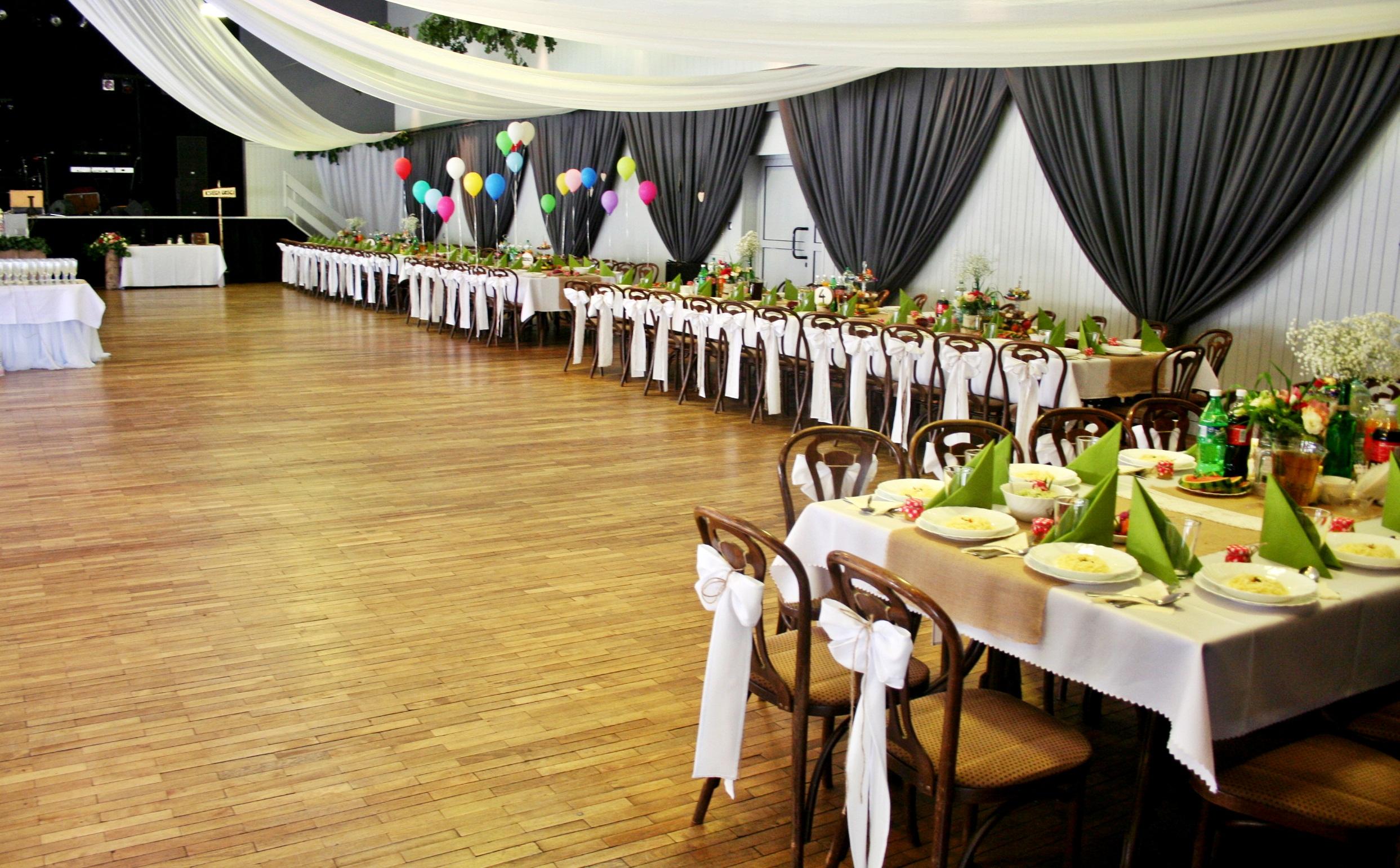 dekoracja weselna w stylu rustykalnym