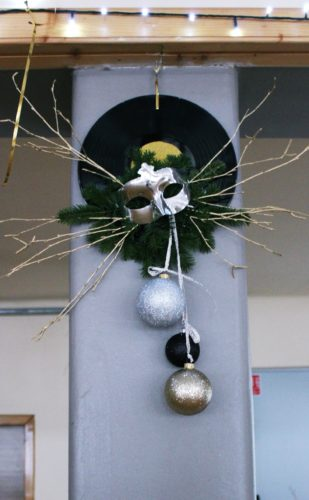 dekoracja sali sylwester złoto czarna
