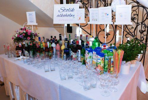 stolik alkoholowy